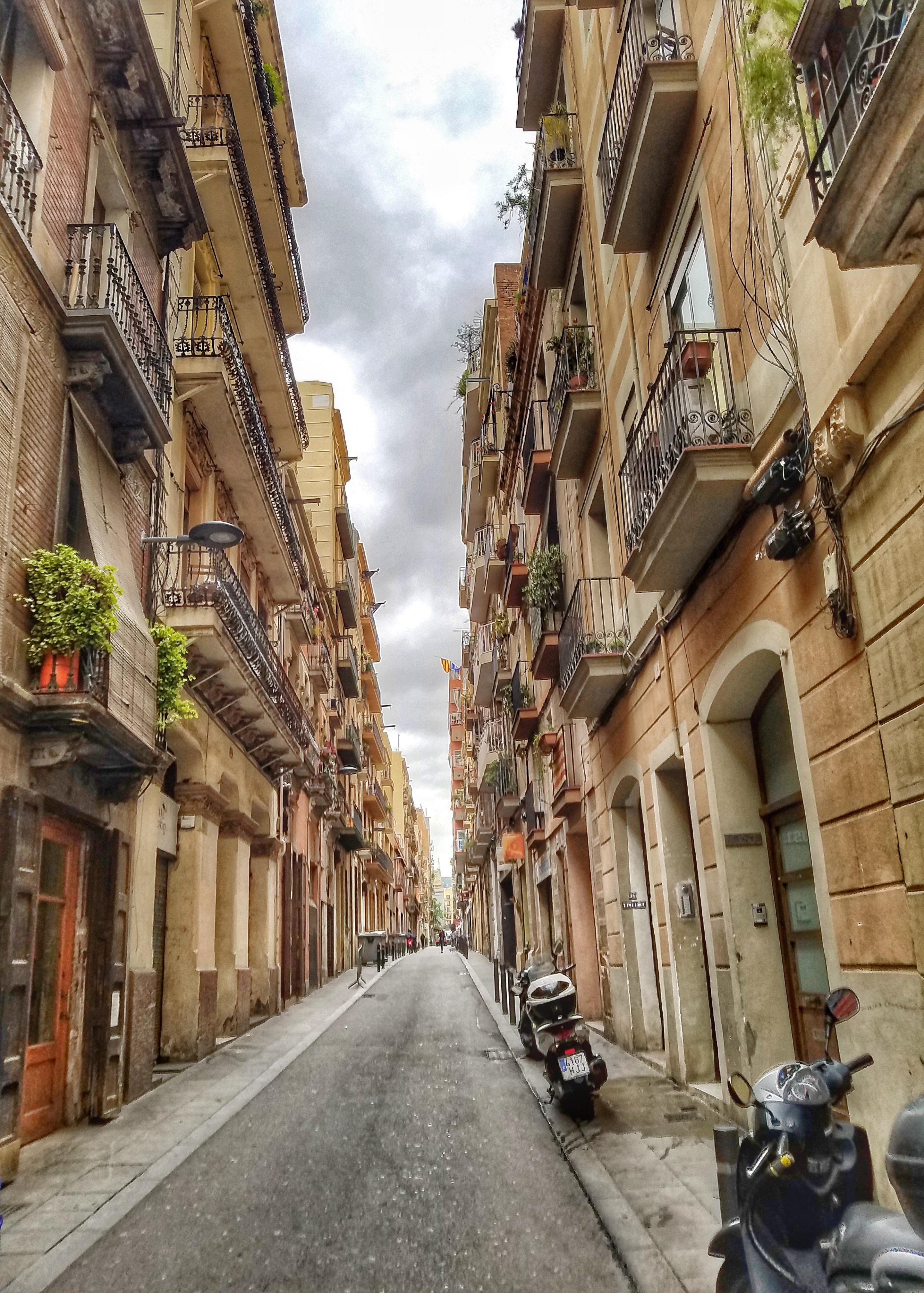 Gracia Neighborhood Food & Market Tour with Devour Barcelona